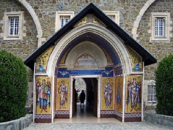 кипр. Монастырь киккос